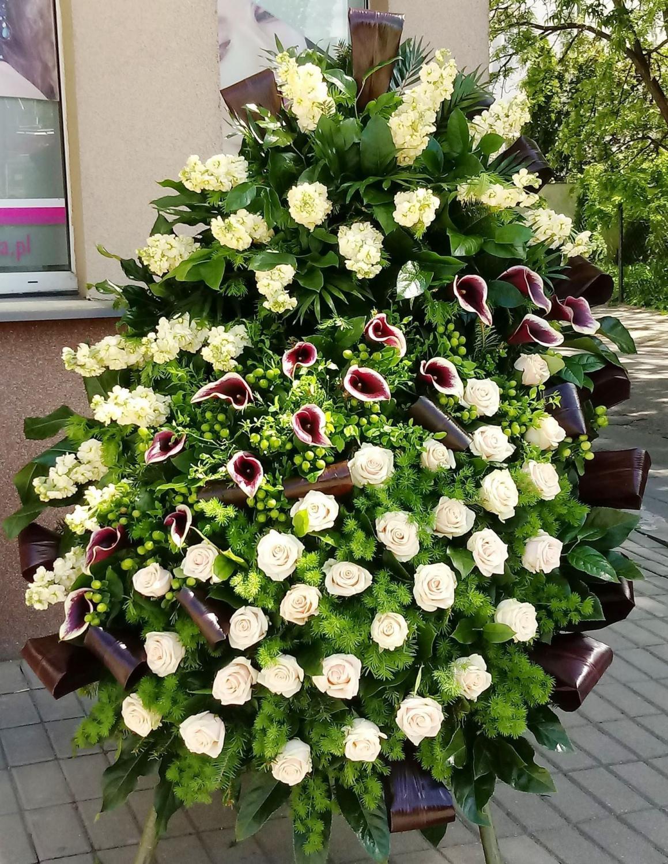 Florystyka Pogrzebowa Kwiaty Wiazanki I Wience Pogrzebowe